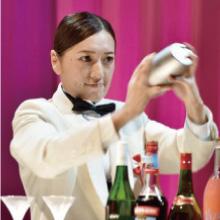 WEEKLY THE BAR PLEO の 堤沙耶香さんが優勝