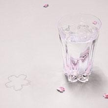 桜の季節に『サクラサクグラス』 今ならお花見に便利な手拭いプレゼント
