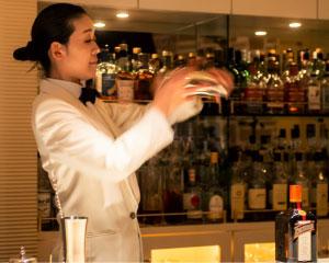 Bar Adonis(渋谷)大沢 智枝さん