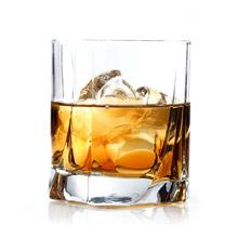 1,500種類以上のウイスキーから 好みの一本を直感的に探し出す!