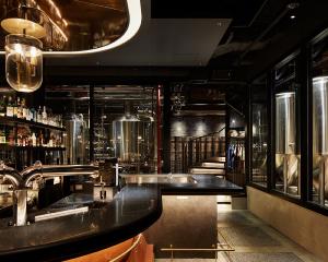 """[日本初!]Gladfield Malt社製モルトを使用したビール""""Godzone Beat""""。 海の上の醸造所「NUMBER NINE BREWERY」本日よりリリース!"""