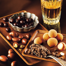 """【ロイズ】""""ウイスキーの最高のパートナーになるチョコレート""""4種類のセット 「ウイスキーの肴(あて)」"""