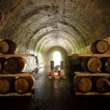 日本を代表するロックミュージシャン、 吉井和哉氏が 自らの人生を投影させたウイスキー「YAZŪKA (ヤズーカ) World Whisky」